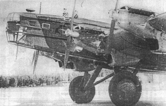 ТБ-3РН - участник боёв на озере Хасан выруливает на старт