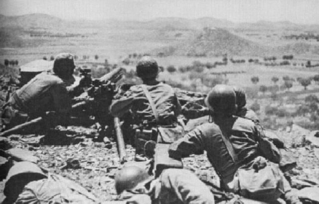 Завязался бой упорный возле озера хасан