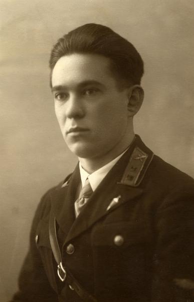 Осипов Георгий Алексеевич выпускник Оренбургского военного лётного училища