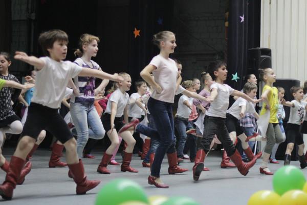 В чем мальчики ходят на танцы