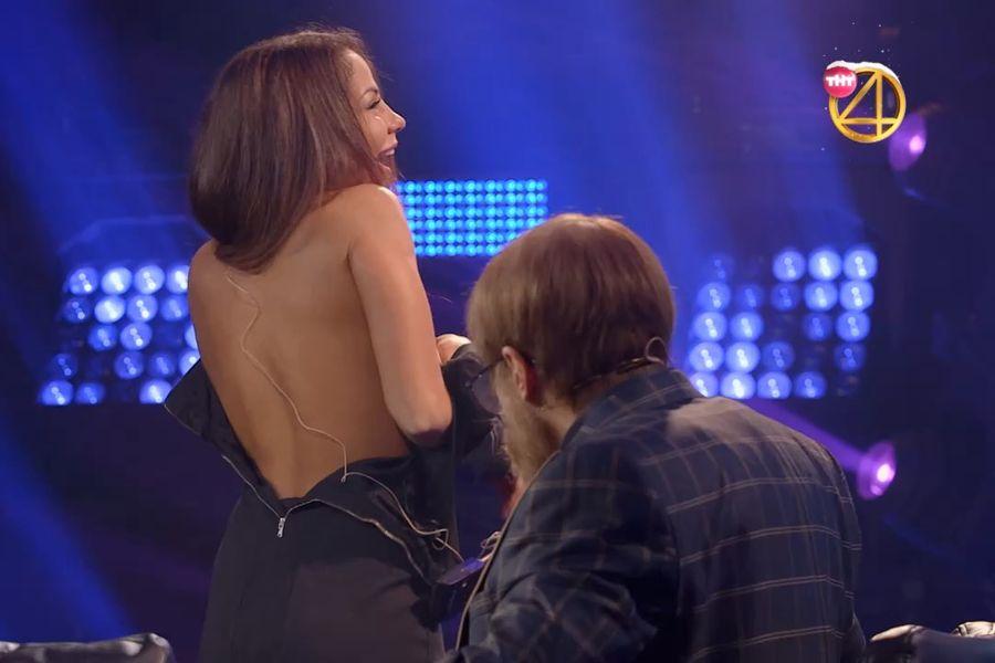 Беркову позвали на ТВ, а она показала грудь