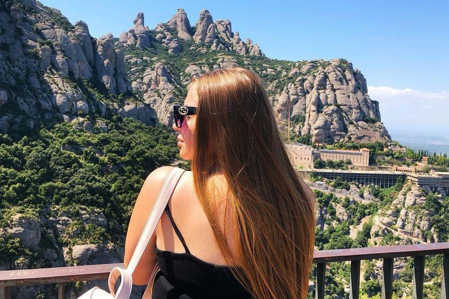 Руссо - туристка в Испании