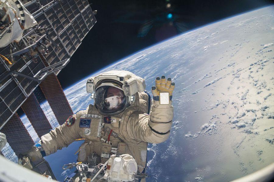 Как спят космонавты. Видео