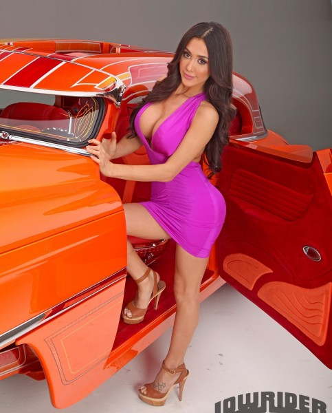 chevrolet-bel-air-model-joselyn-cano-4cea2358d3cc5f8cd32397ca9bc51b94-fullsize-9105