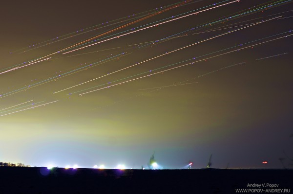 Plane-trails_stacking_1200px_q12_copy