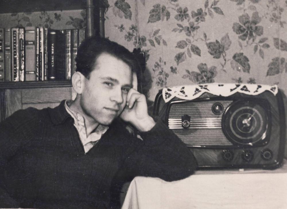 Кирилл Бобров дома. 1953 г.