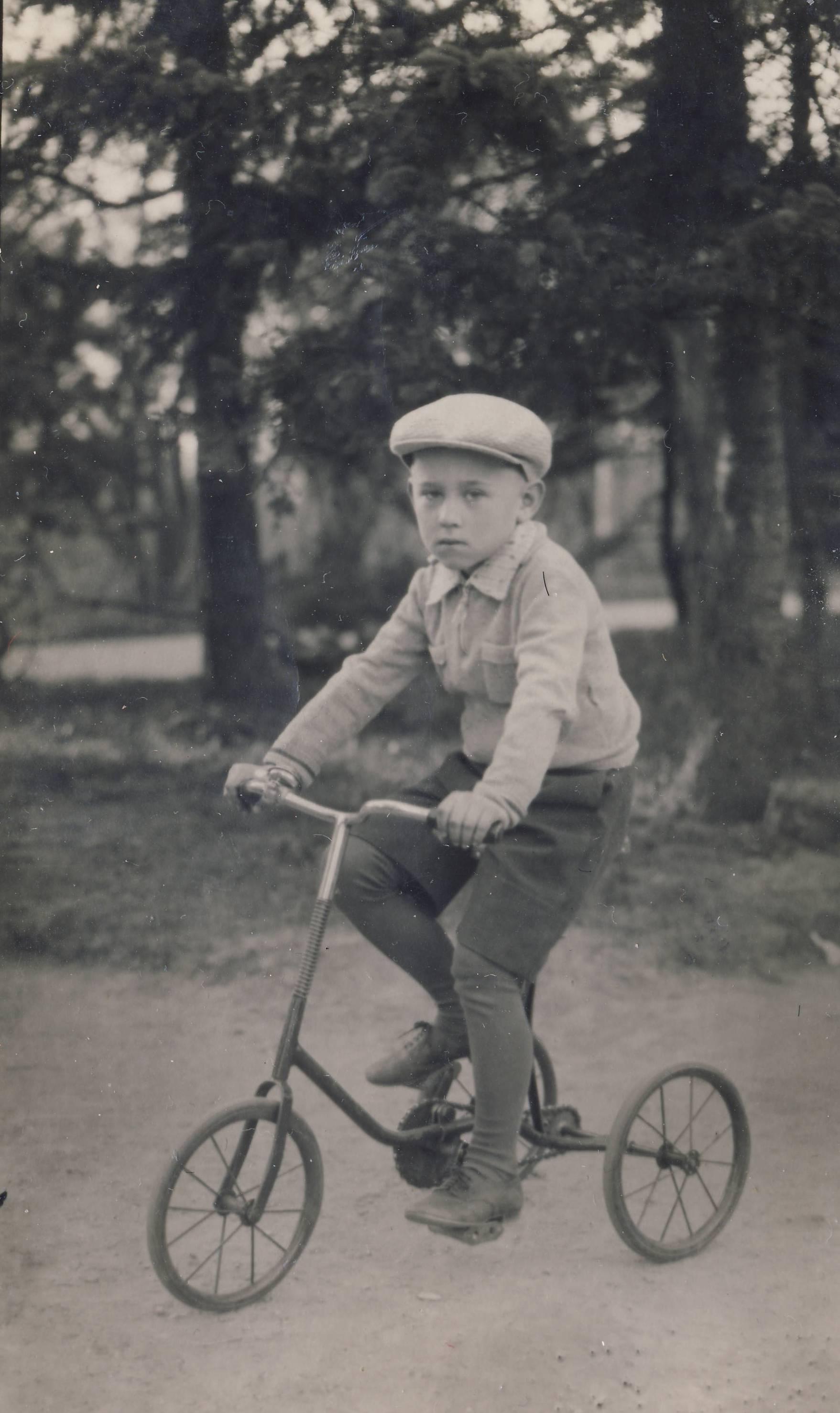 Кирилл Бобров. 1940 год. Лиепая
