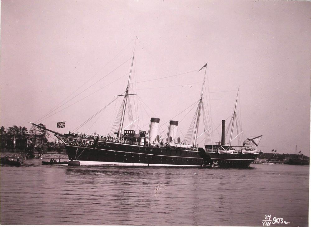 """Порт имп. Александра III. """"Полярная звезда"""" у доков Адмиралтейства. 1903 год"""