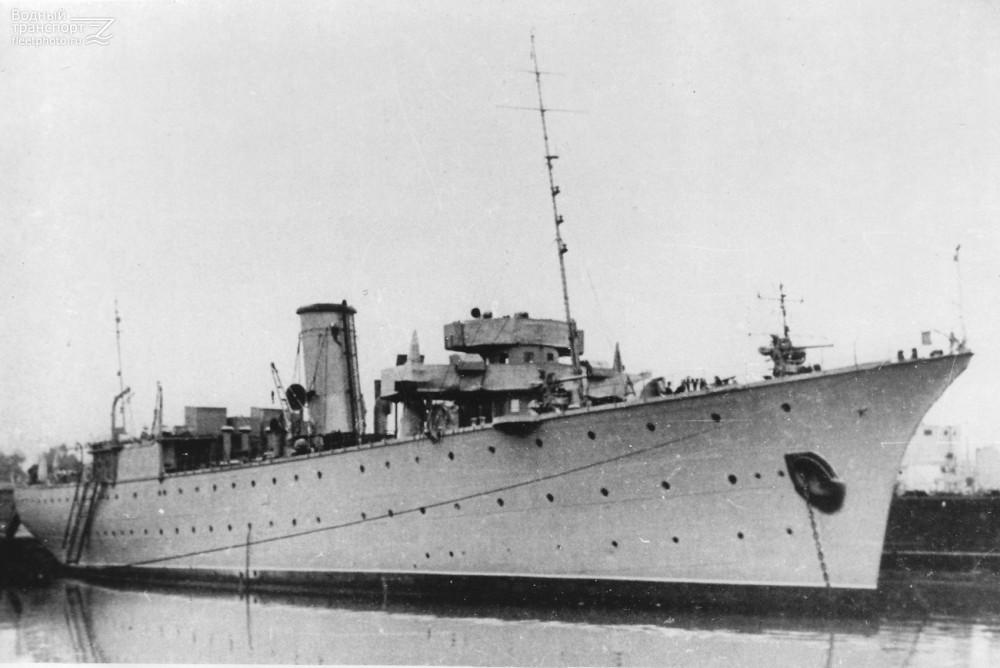 """Плавбаза подводных лодок """"Полярная звезда"""". 1950-е гг."""