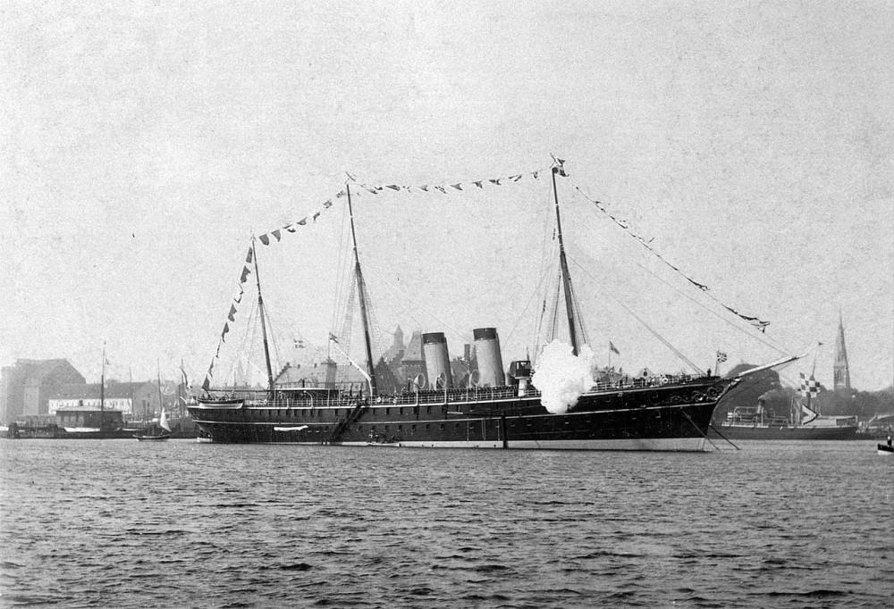 """""""Полярная звезда"""" на рейде Копенгагена. 1902 год."""