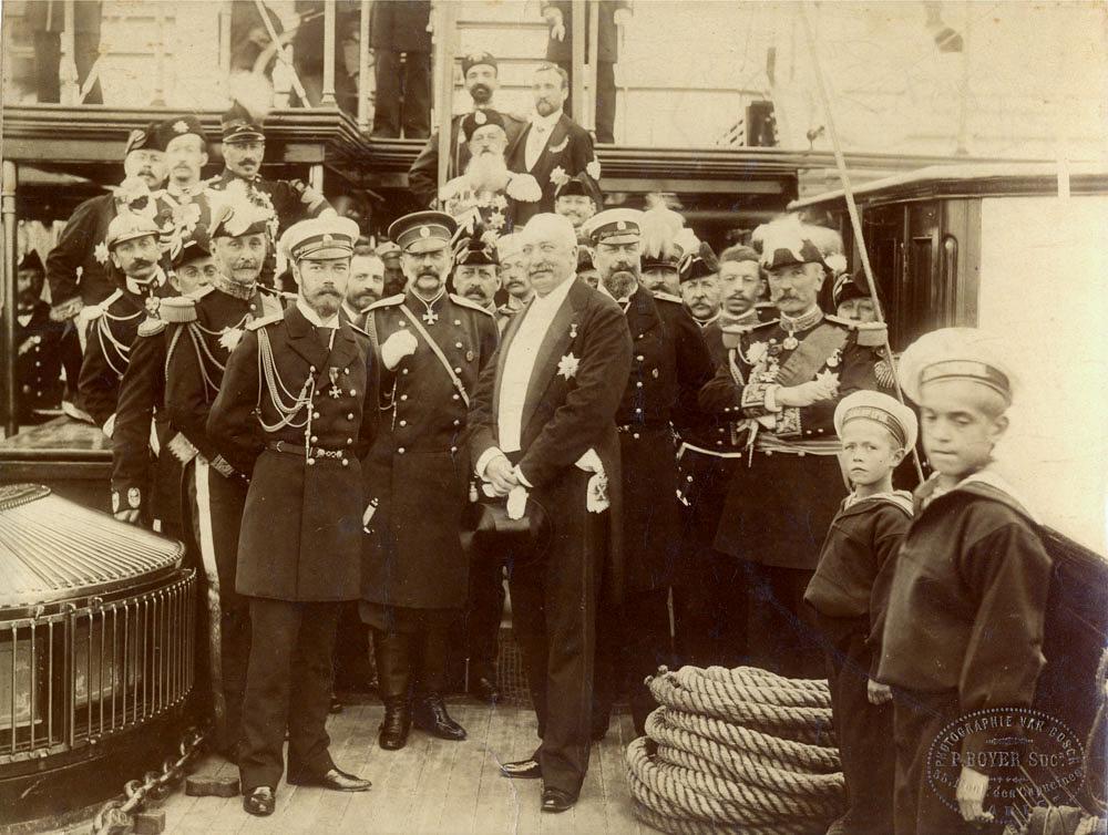 """Николай II с президентом Феликсом Фором на борту """"Полярной звезды"""" во время визита во Францию в 1896 году"""