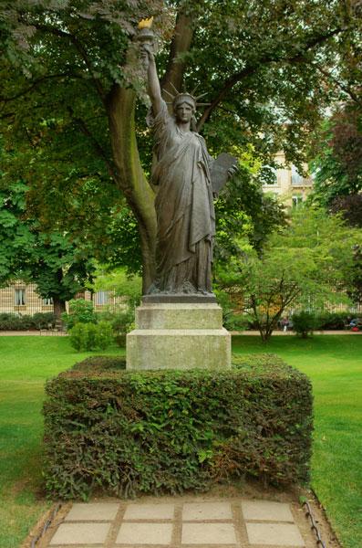 Сколько статуй свободы в мире