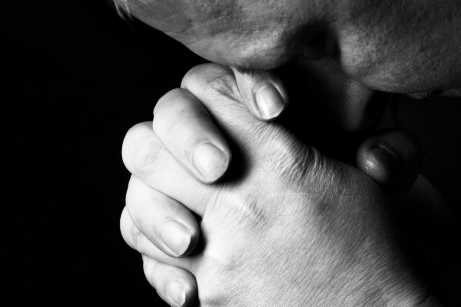 Head-bowed-in-prayer