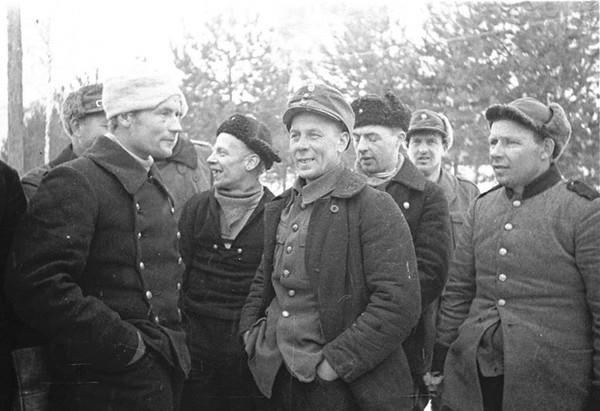 Группа пленных финнских бойцов. 1940г.