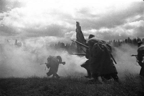 атака 1944 Михаил Савин