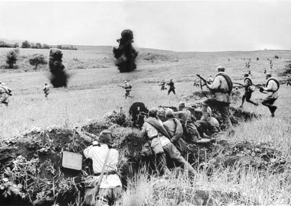 контратаки одного из подразделений советской 270-й стрелковой дивизии на Курской дуге фото макс альперт