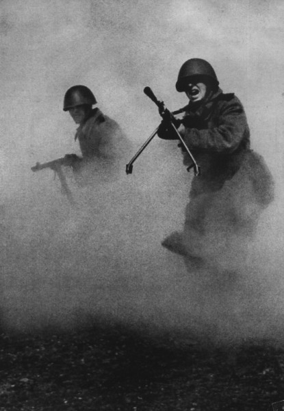 Известнейшая фотография Марка Маркова–Гринберга, сделаная в 1943 году
