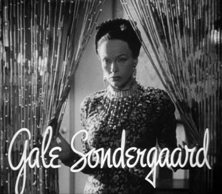 Гейл Сондергаард — датчанка в Голливуде