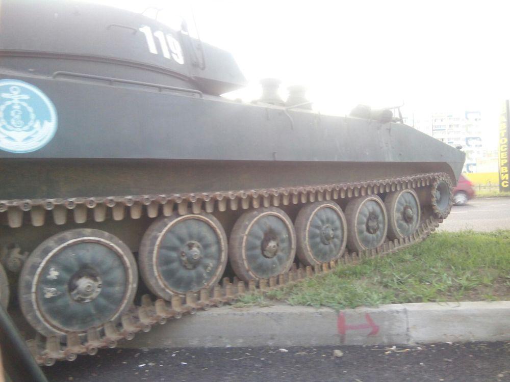 В Челнах уронили танк