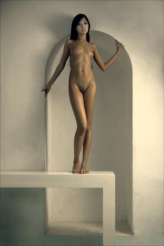 Vintage miniature lead figure nude naked girl woman lead doll figure