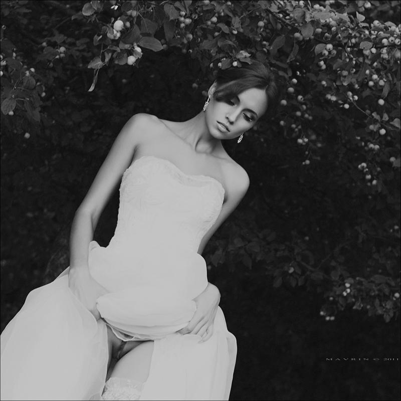 Эротические фото девушек в свадебном платье девушки идеальными