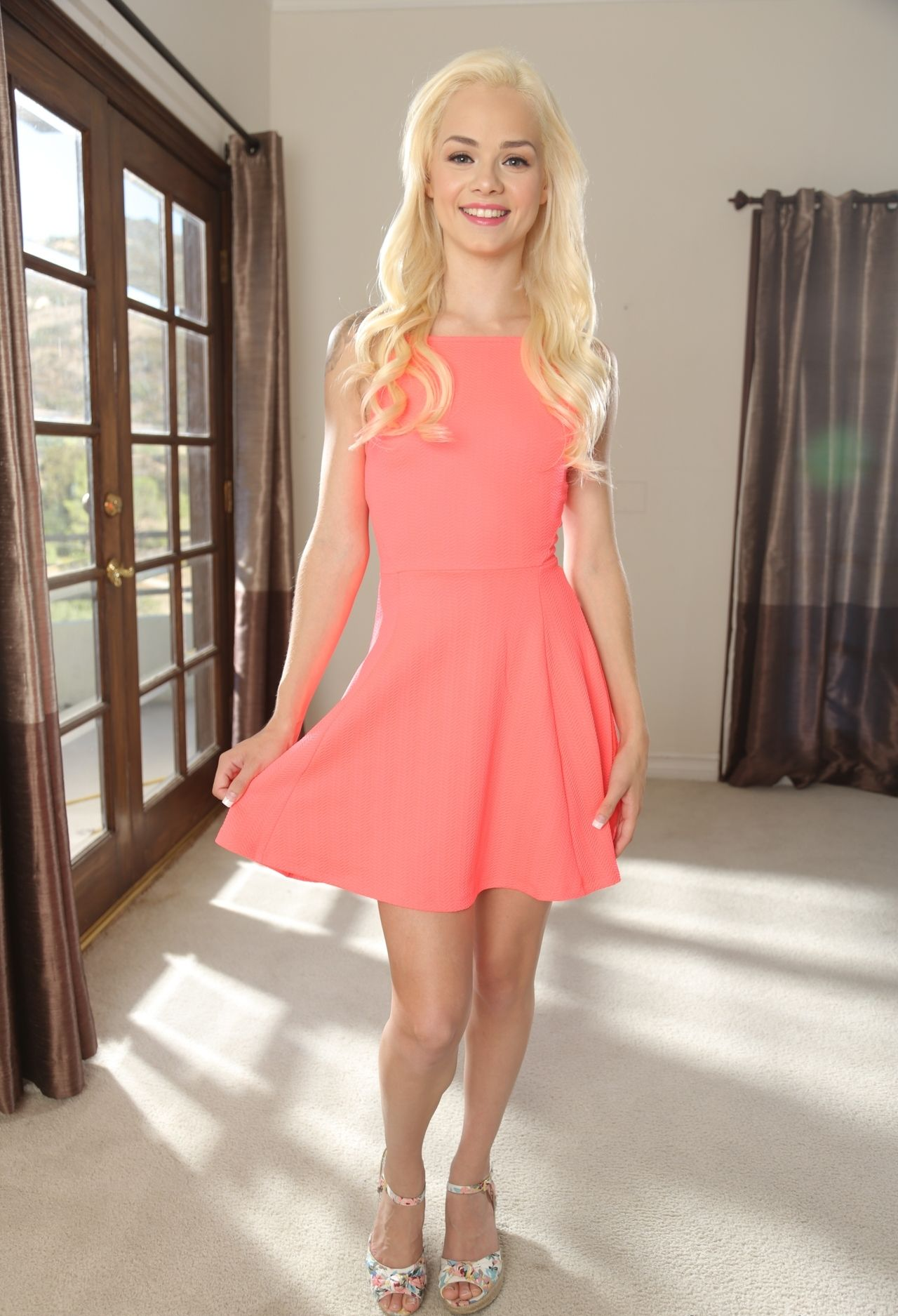 loves-huge-blonde-petite-molly-xxx