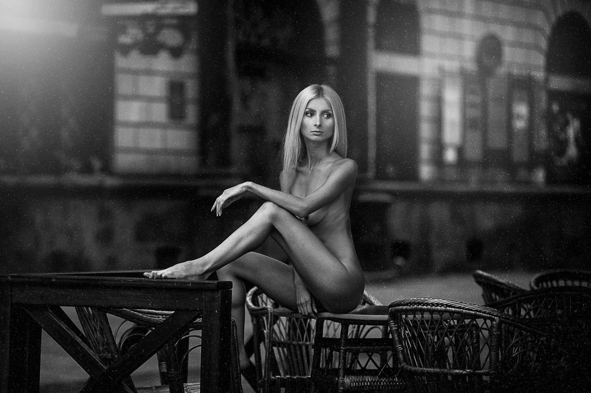 Эротические фото дома съемка, прозрачные платья без трусов у девок на улице фото