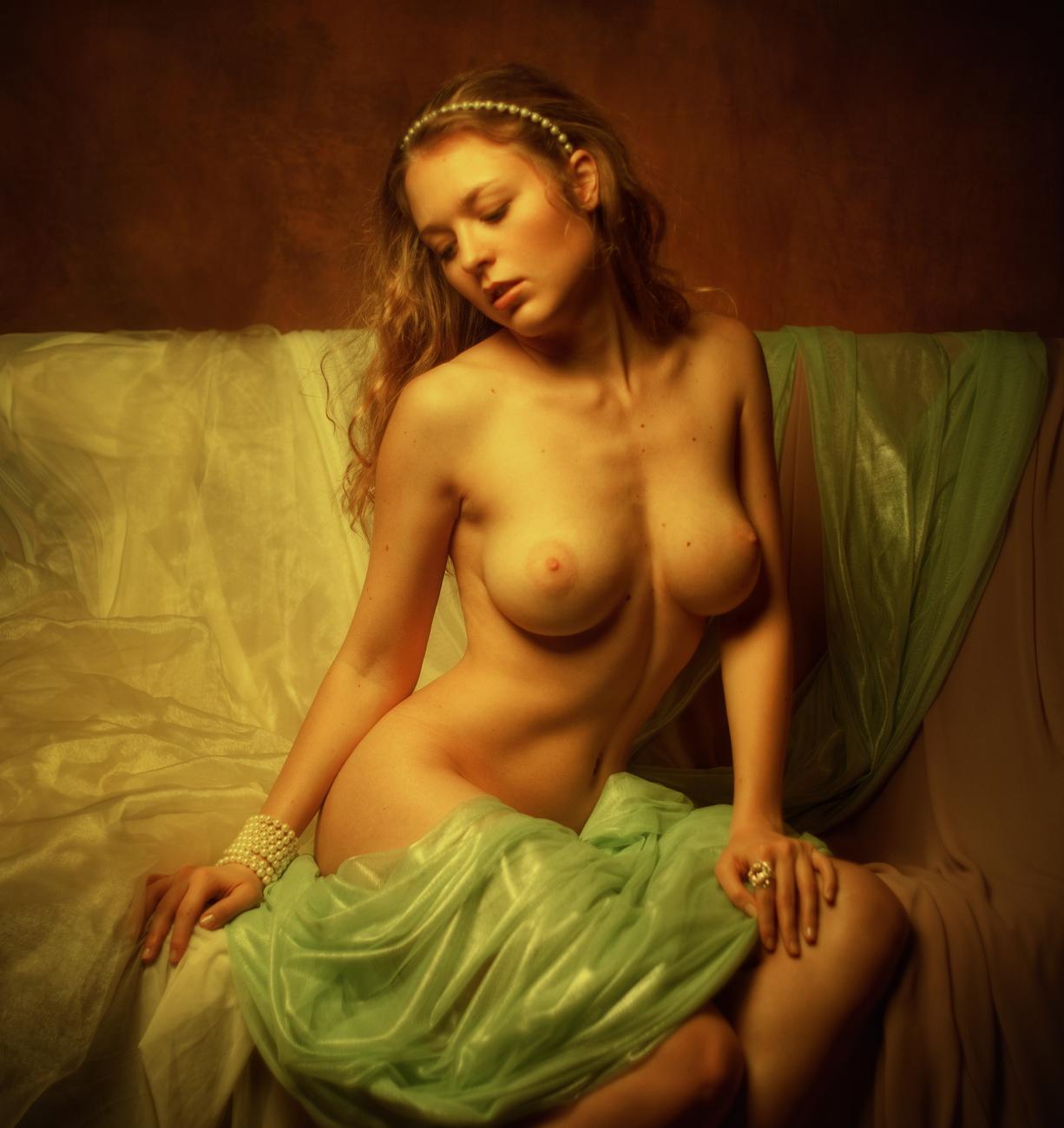 Naked girls self portraits