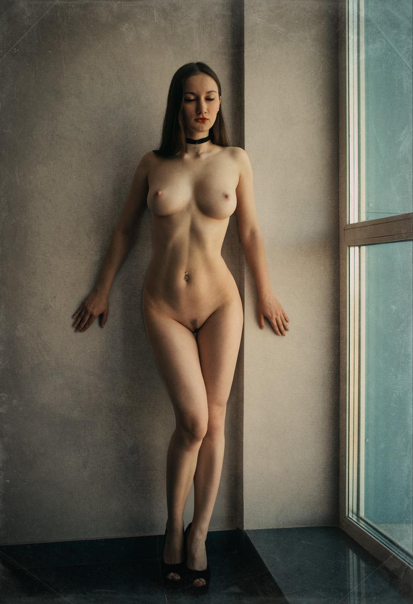 Женское Тело Обнаженное Стоя