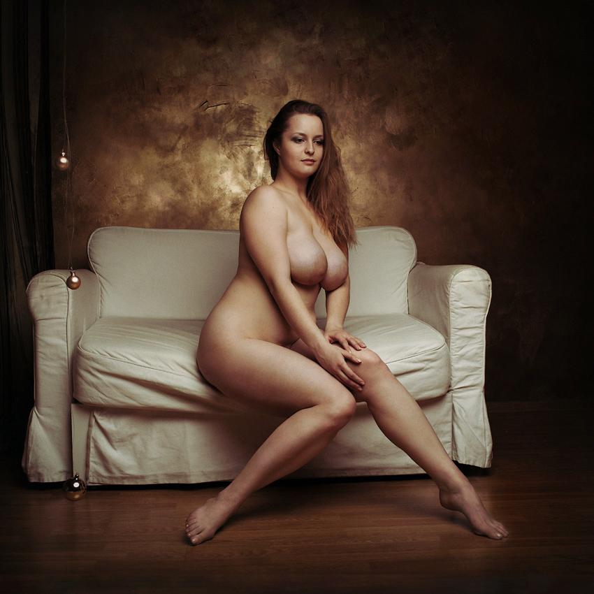 Full Figure Hot Mature Nude Women