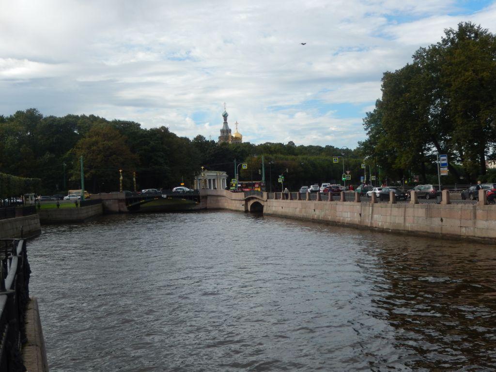 3. Вид на Михайловский замок и Летний сад