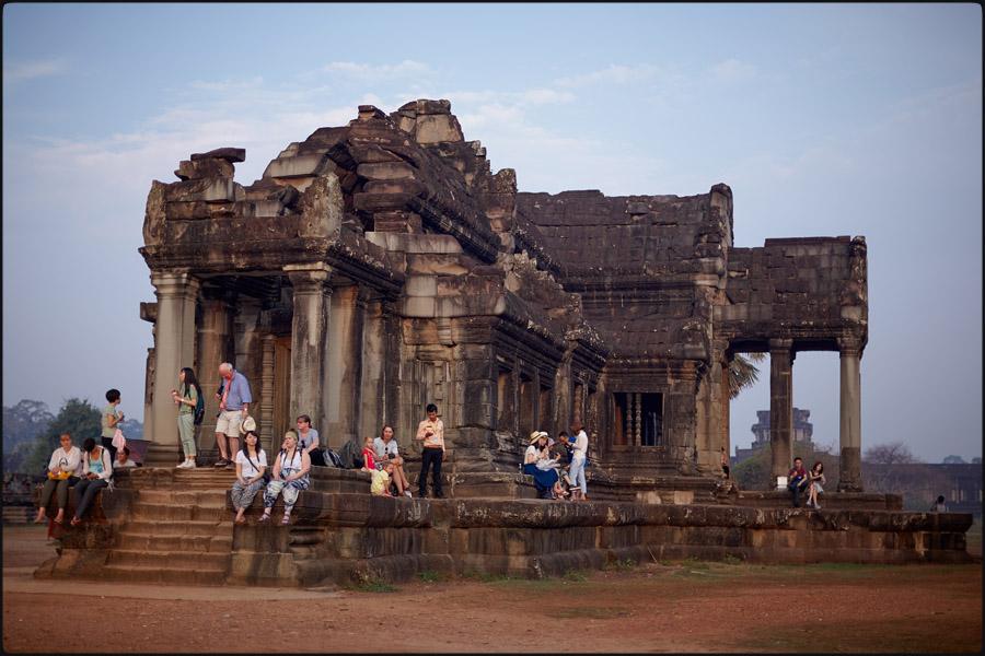 301-144camb_Angkor Wat0006.jpg