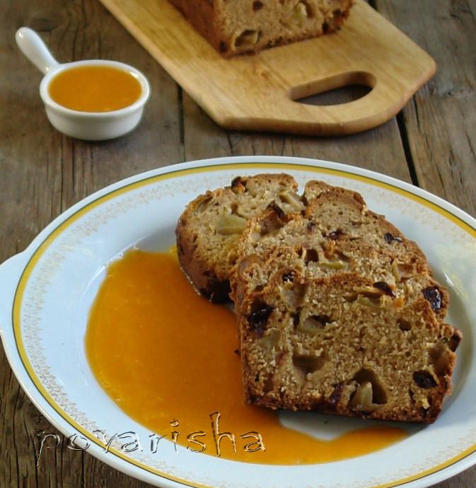 Персиковый кекс с яблоками и персиковым соусом