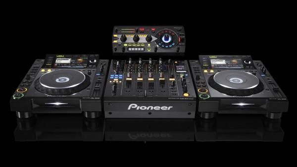 pioneer_cdj_djm_mixer_dj_setup_3d_render_by_alvincapalad-d55y2lr