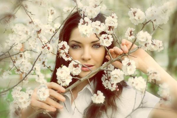 сады цветут