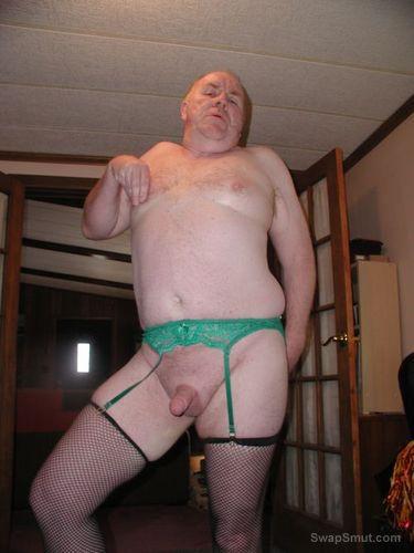 -Sissy Piggy Slut  dances  on  web cam for  gay  chat  room