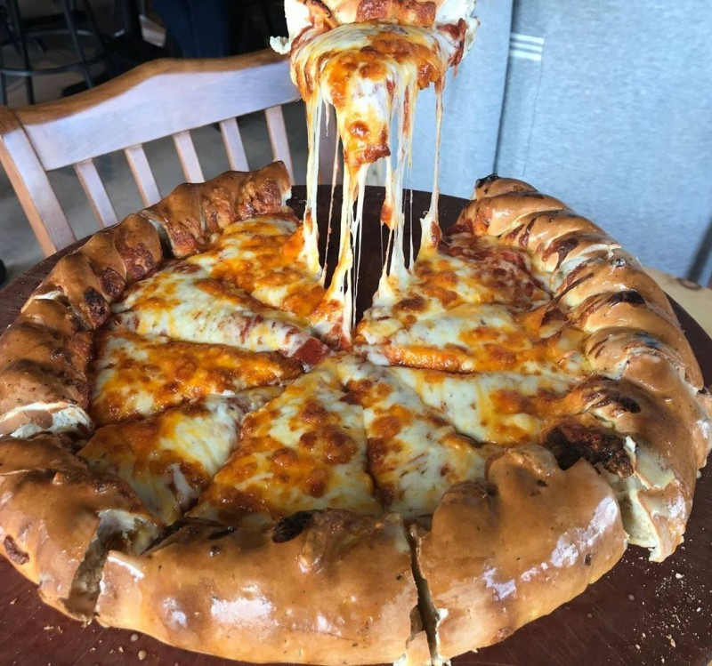 colorado-style-pizza-courtesy-beaujos.jpg