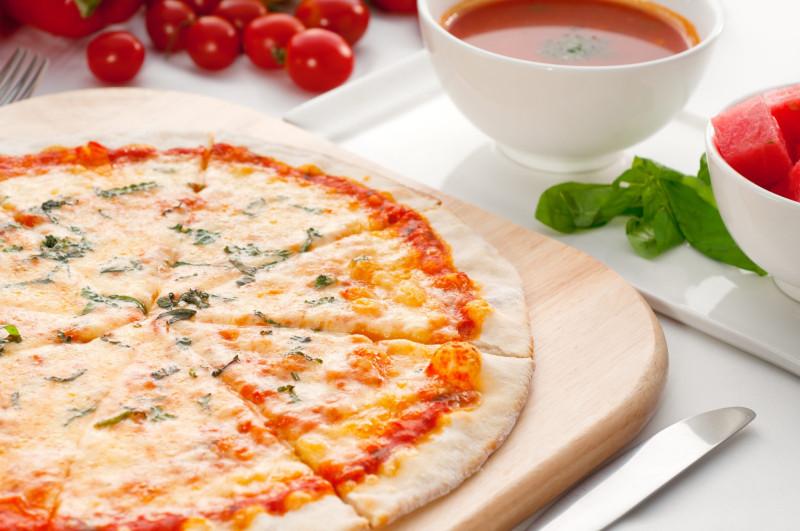 Italian-original-thin-pizza-787258-2048x1360.jpg