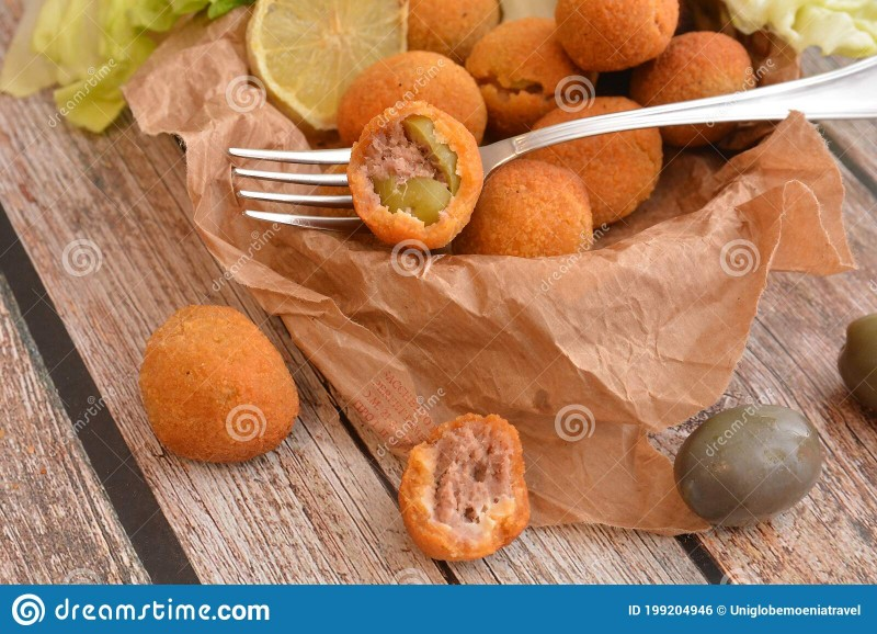 italian-olive-ascolane-appetizer-traditional-dish-wooden-table-nurition-restaurant-gourmet-food-199204946.jpg