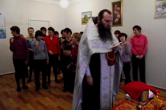 Богослужение в психоневрологическом интернате. Фото: hram.zp.ua