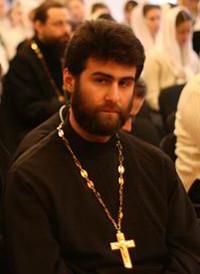 священник Тигрий Хачатрян