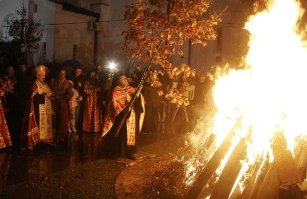Ритуальный костёр из дубовых ветвей.