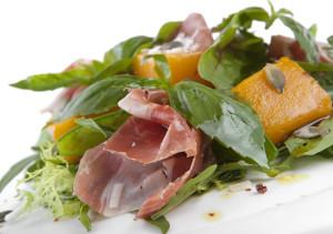 salat iz zapechennoi tyikvyi