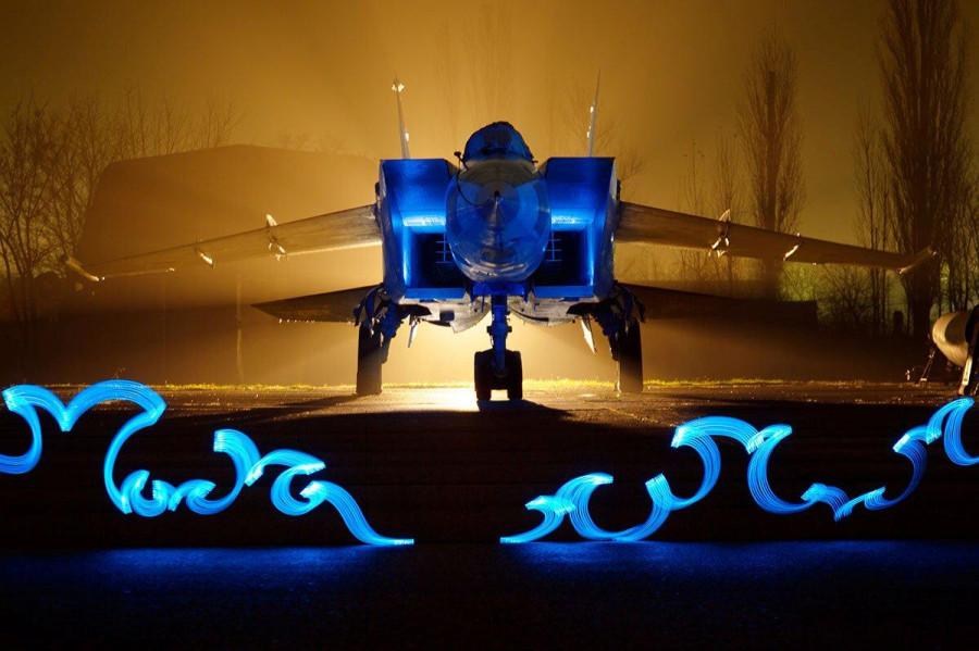 Креатив на военном аэродроме
