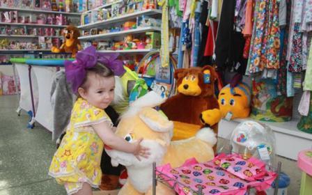 Неуправляемый ребёнок в магазине