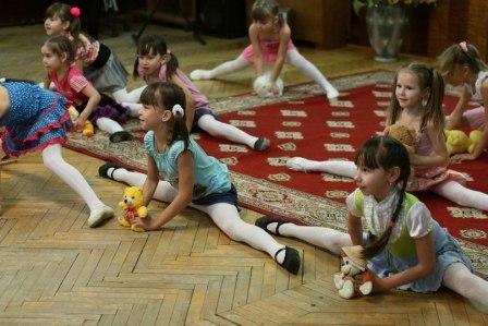 Девочки развивают способности