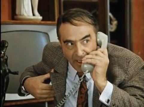 весёлый разговор по телефону
