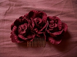 Wine Rose Comb (Chess Story)