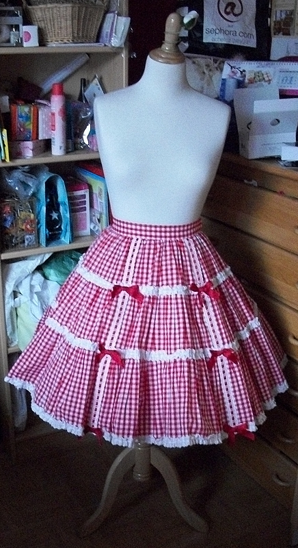 Gingham Triple Tiered SK (AP)