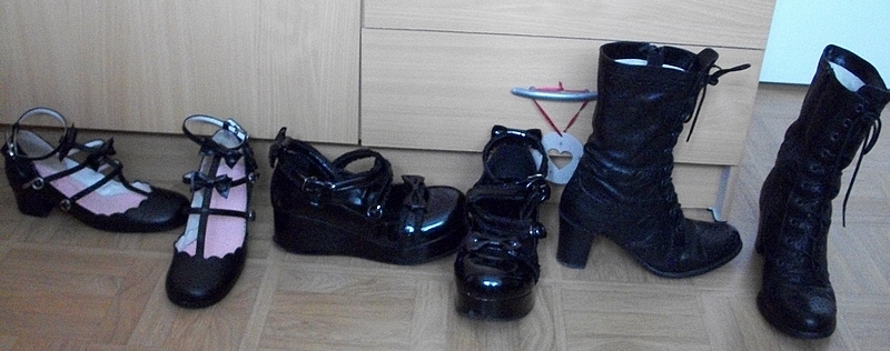 Shoes (BTSSB + Pentagramme + Off-brand)